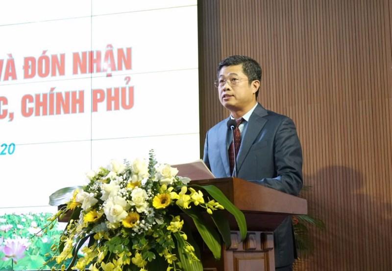 Ông Phạm Đức Thắng, Vụ trưởng Vụ Tổ chức cán bộ đọc thư Chúc mừng ngày Nhà giáo Việt Nam của Bộ trưởng Bộ Tài chính.