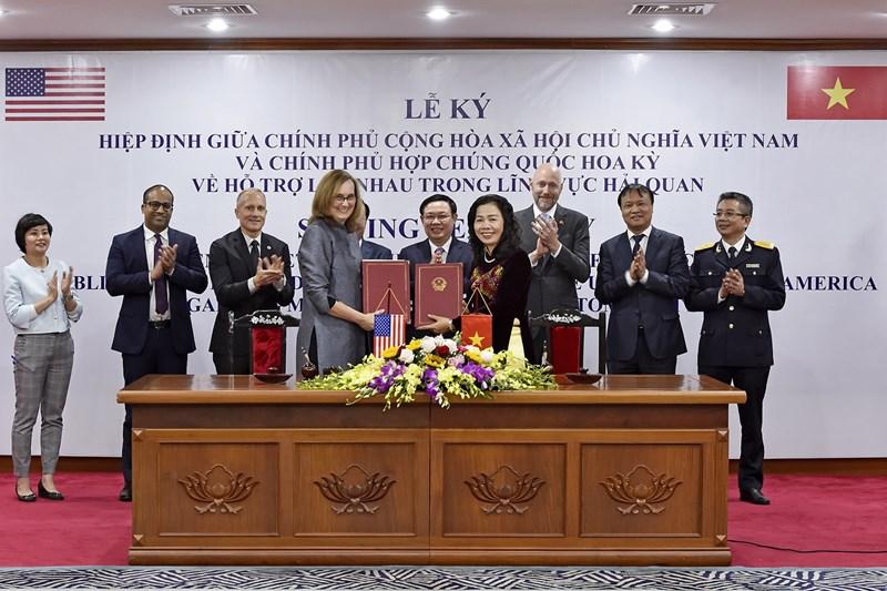 Việc ký và thực hiện Hiệp định với các hoạt động hợp tác thực chất sẽ góp phần bảo vệ quyền và lợi ích hợp pháp của cộng đồng doanh nghiệp hai nước.