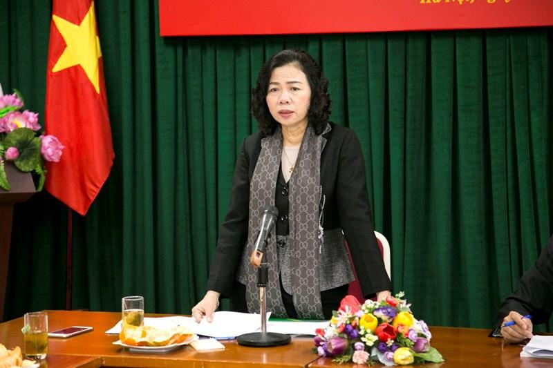 Thứ trưởng Bộ Tài chính Vũ Thị Mai chúc mừng và biểu dương những kết quả Tạp chí đã đạt được trong năm 2018.