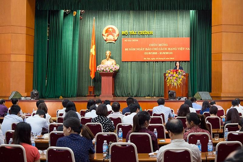 Toàn cảnh Lễ kỷ niệm 93 năm ngày Báo chí cách mạng Việt Nam của Bộ Tài chính.