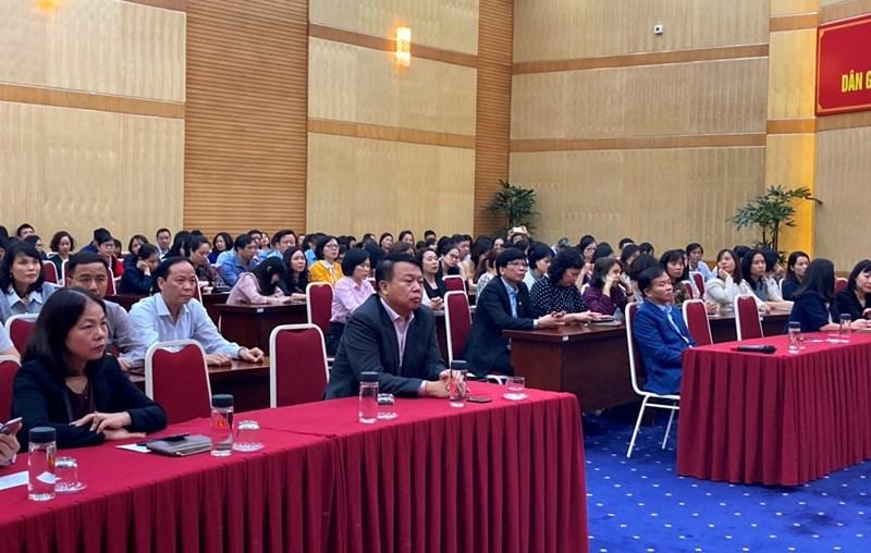 Toàn thể cán bộ, công chức, viên chức, người lao động Kho bạc Nhà nước tham dự Lễ phát động