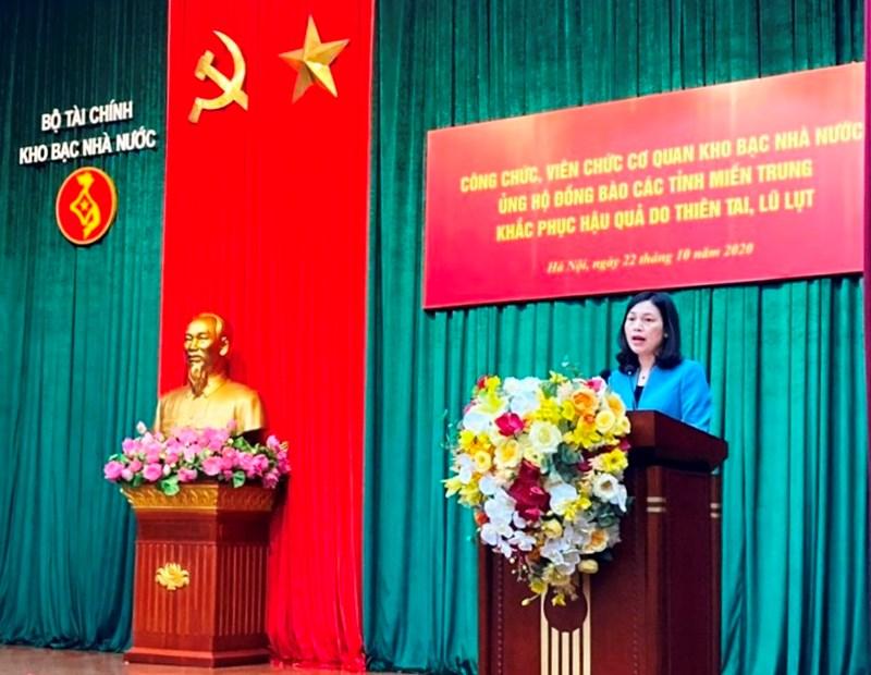 Bà Trần Thị Huệ, Phó Tổng Giám đốc, Chủ tịch Công đoàn Kho bạc Nhà nước khai mạc Lễ phát động