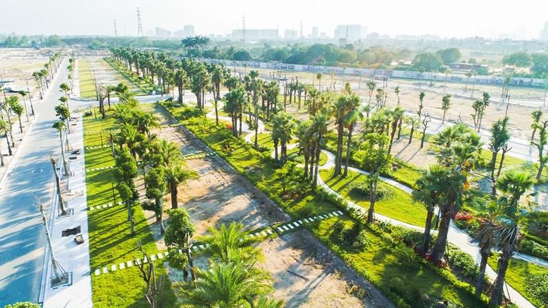 72 biệt thự song lập giai đoạn 2 hấp dẫn nhà đầu tư với mức giá chỉ từ 99 triệu đồng/m2. Trong ảnh là công viên trung tâm của Dự án.