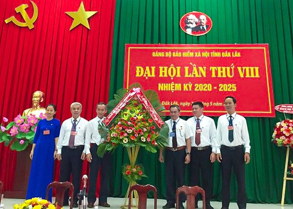 Ngày 26/5/2020, Đảng bộ BHXH tỉnh Đắk Lắk đã tổ chức Đại hội lần thứ VIII, nhiệm kỳ 2020-2025 với sự tham dự của 100 đảng viên của 8 chi bộ trực thuộc Đảng bộ BHXH tỉnh