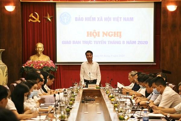 Tổng Giám đốc BHXH Việt Nam Nguyễn Thế Mạnh chủ trì Hội nghị giao ban trực tuyến tháng 8/2020 tại điểm cầu trụ sở cơ quan BHXH Việt Nam (ngày 4/8/2020)