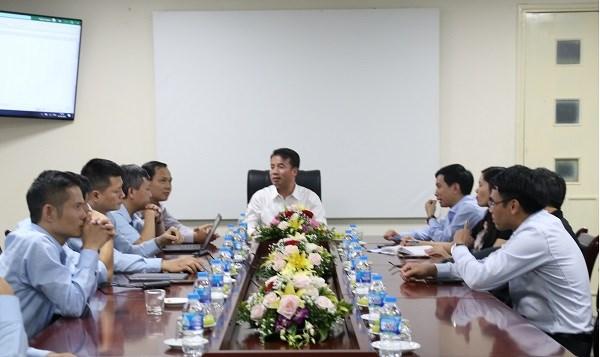 Tổng Giám đốc BHXH Nguyễn Thế Mạnh làm việc với các đơn vị liên quan về việc tiếp tục đổi mới, sáng tạo, nâng cao hiệu quả ứng dụng công nghệ thông tin nhằm tạo đột phá trong hoạt động nghiệp vụ của ngành BHXH (ngày 12/10/2020)
