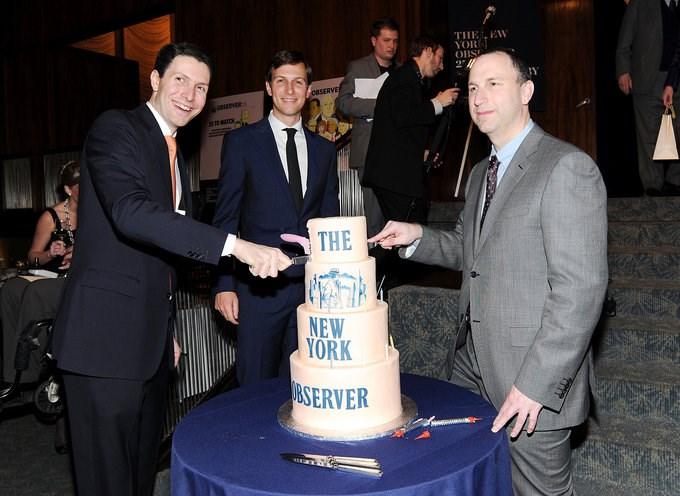 """Năm 2006, Jared mua tờ The New York Observer với giá 10 triệu USD. Một nguồn tin nói với Time rằng cha của Jared, Charles Kushner, đã chi tiền mua tờ báo này để làm """"quà tốt nghiệp"""" cho con trai. Ảnh: AP"""