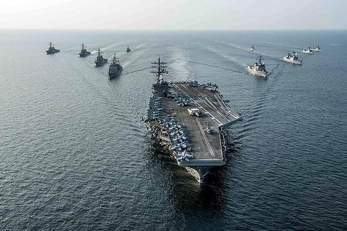 Trung Quốc còn đối mặt nguy cơ bị cắt nguồn năng lượng từ nước ngoài khi bị phong tỏa đường biển, họ còn bị đóng băng các hoạt động giao thương để lấy tiền nuôi bộ máy chiến tranh.