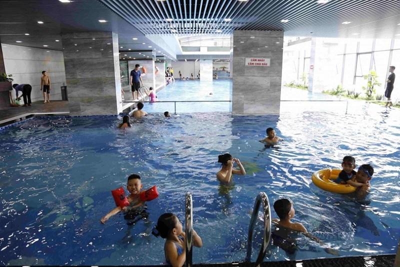 Bể bơi bốn mùa tại dự án Riverside Garden đã đi vào hoạt động