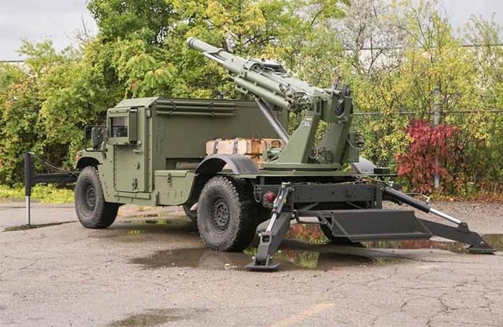 Pháo 105mm Hawkeye được dùng để áp chế hỏa lực đối phương, tiêu diệt mục tiêu trên mặt đất như bộ binh, kho bãi, công sự… Ảnh: defence-blog.