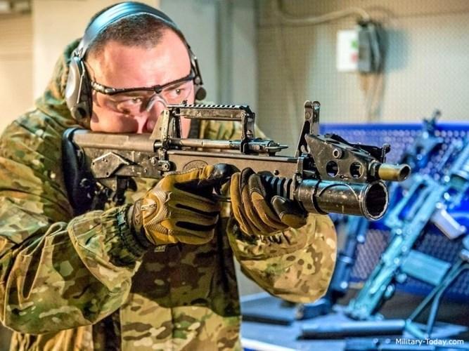 Với thiết kế và trang bị này, súng ADS của Nga hiện được đánh giá là không có sản phẩm cùng loại trên thế giới. Ảnh: Military-Today.