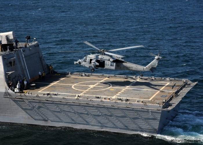 Tàu có thể tác chiến linh hoạt với trực thăng đa năng MH-60 Seahawk và trực thăng không người lái MQ-8 Fire Scout để đối phó với tàu chiến của kẻ thù, nhờ hệ thống quản lý chiến đấu hiện đại. Ảnh: Military-Today.