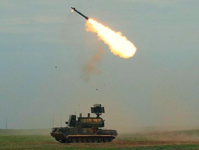 Sự quay lưng của Ấn Độ đối với Pantsir-S1 càng làm cho triển vọng của vũ khí này trở nên ảm đạm hơn, có lẽ nhà sản xuất phải nhanh chóng cho ra đời những phiên bản nâng cấp thì mới mong sớm lấy lại niềm tin từ khách hàng trong và ngoài nước Nga.