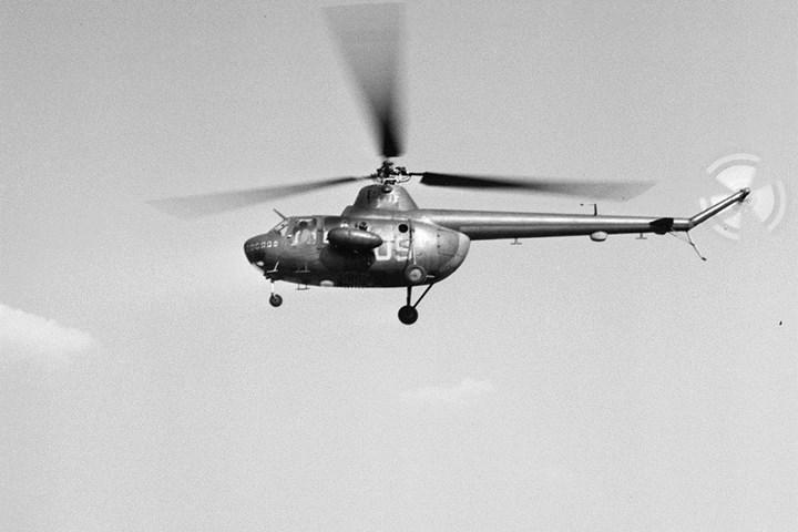 Mi-1 là lô trực thăng Liên Xô được sản xuất hàng loạt đầu tiên. Trực thăng tấn công hạng nhẹ Mi-1MU được trang bị rocket và súng máy. Mi-1 từng được sử dụng trong cuộc chiến giữa quân đội Mao Trạch Đông và quân đội Tưởng Giới Thạch ở Trung Quốc.