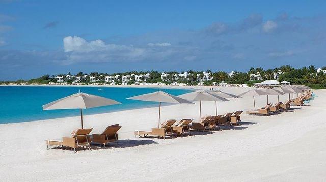 Đảo Anguilla: Các dịch vụ phục vụ du khách đến thăm đảo đang ngày càng được hoàn thiện, hứa hẹn biến đảo Anguilla trở thành điểm đến hấp dẫn không thể bỏ qua.