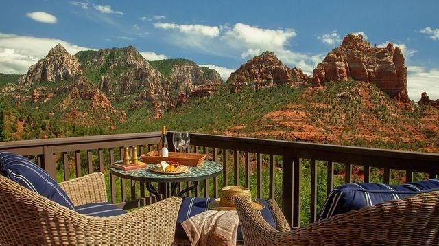 Hẻm núi lớn Grand Canyon, Mỹ: Đây là điểm đến hàng đầu tại Mỹ dành cho những du khách ưa thám hiểm - khám phá, thích cảnh quan phóng khoáng. Công viên quốc gia ở nơi đây hiện cũng đang có rất nhiều hoạt động văn hóa, triển lãm hấp dẫn.