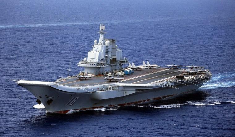 Cụ thể, phần tháp chỉ huy của tàu được thu gọn nhằm tăng diện tích hoạt động cho máy bay, độ dốc đường nhảy cầu giảm bớt 2 độ (xuống còn 12 độ) nhằm tối ưu hóa cho hoạt động của tiêm kích hạm J-15.