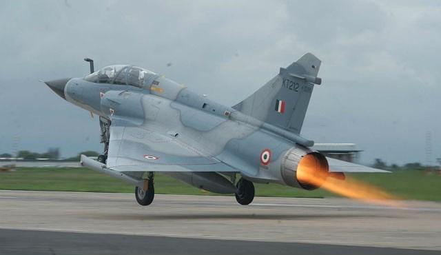 Nhưng trong khi xác chiếc MiG-21 Bison rơi trên đất Pakistan và phi công Ấn Độ bị bắt sống đã tràn ngập trên các phương tiện truyền thông thì vẫn chưa có bằng chứng nào khẳng định Mirage 2000H của New Delhi đã bị bắn hạ.