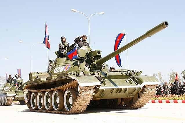 Khả năng bảo vệ của T-55AM2 được đánh giá cao hơn 140% so với nguyên bản, nó có thể sống sót khi hứng chịu sức công phá của các loại đạn xuyên lõm hay tên lửa chống tăng đời cũ bao gồm RPG-7 và AT-3.
