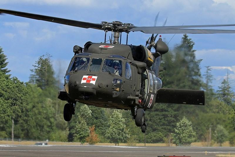 Nguồn tin địa phương cho biết chiếc HH-60M đã hạ cánh xuống khu vực phủ đầy tuyết này khi tham gia một hoạt động huấn luyện.
