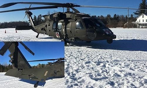 Hình ảnh do một nhân chứng công bố cho thấy trực thăng quân sự Mỹ bị hư hại ở phần đuôi.