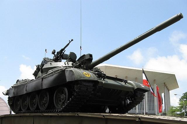 T-55AM2 là gói nâng cấp được một số quốc gia Đông Âu thực hiện nhằm mục đích mang lại sức sống mới cho dòng xe tăng chiến đấu chủ lực T-54/55 đã lạc hậu với chi phí ở mức chấp nhận được.