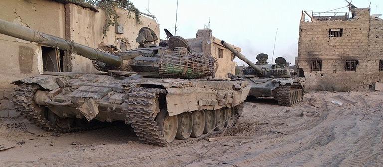 Mặc dù vậy trên chiến trường Syria, do điều kiện khó khăn mà binh lính nước này đã sáng tạo ra những bộ giáp tự chế rất độc đáo, có thể được cấu thành từ gạch, đá, bê tông...