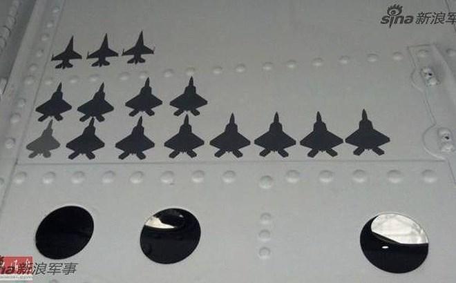 Trường hợp điển hình có thể kể ra đây chính là thành tích của máy bay huấn luyện siêu âm T-38 Talon do các huấn luyện viên phi công lão luyện của Mỹ điều khiển trong bài tập không chiến quần vòng cự ly gần.