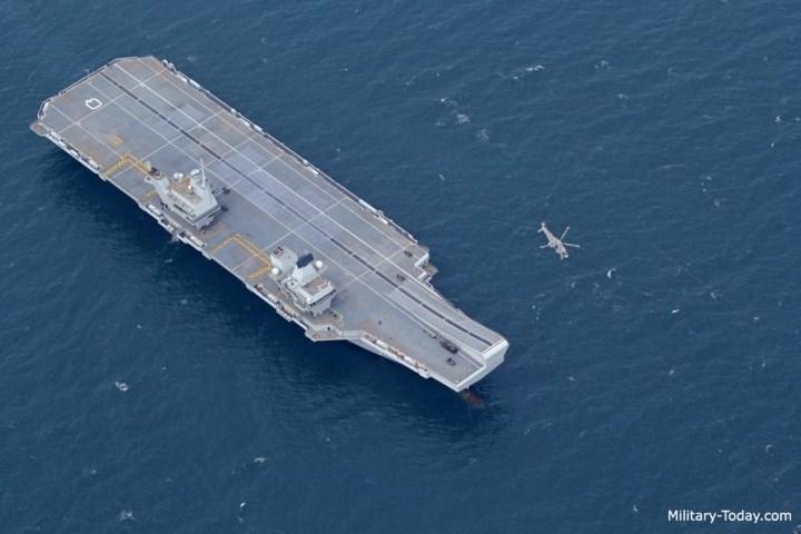 Hàng không mẫu hạm Queen Elizabeth được trang bị nhiều công nghệ tối tân, dựa trên nền tảng tự động hóa cao. Ảnh: Military-Today.