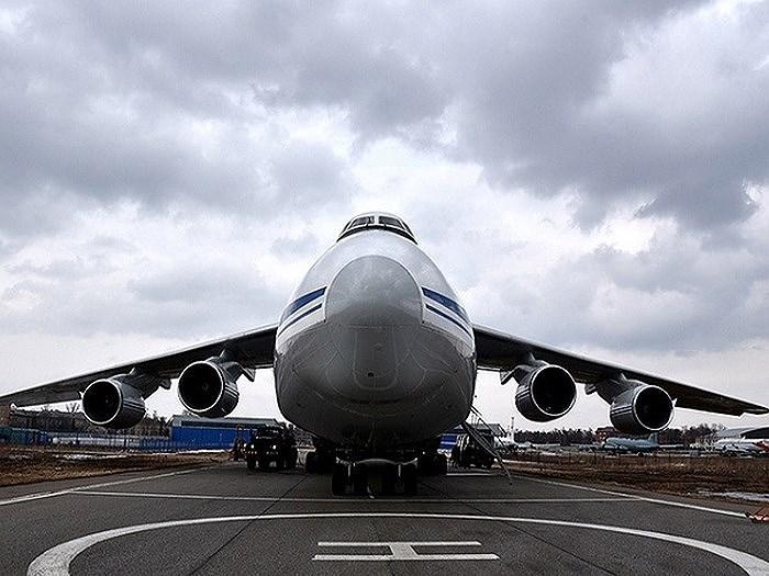 Hiện có tổng cộng 48 chiếc An-124 đang hoạt động tích cực trong số 56 chiếc được sản xuất kể từ năm 1986, trong số này Nga đang chiếm giữ 38 chiếc. Đây được coi là xương sống của lực lượng vận tải chiến lược Nga.