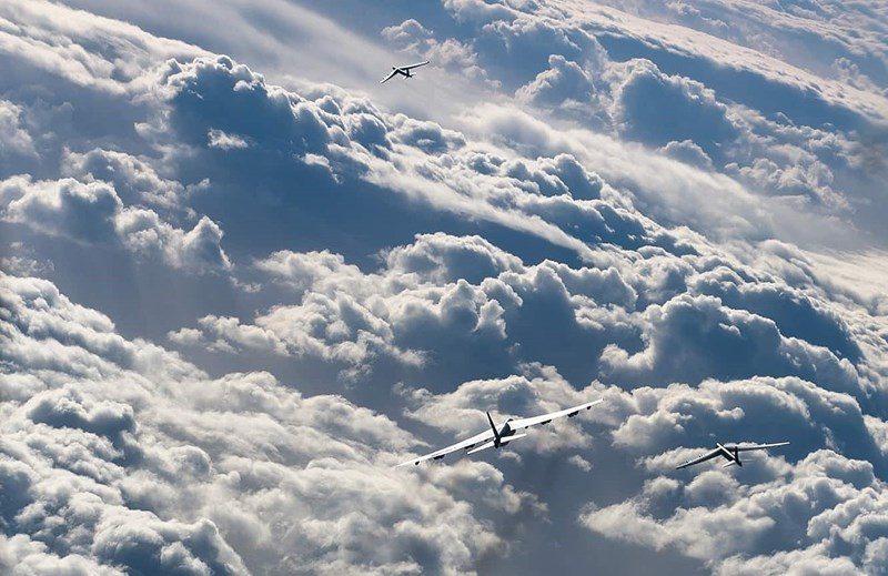 Chuyến bay huấn luyện của siêu máy bay ném bom B-52H Mỹ với tiêm kích F-16 của Na Uy trên Biển Na Uy là một trong những ví dụ về cuộc tấn công bằng tên lửa hành trình giả định bên ngoài khu vực phát hiện bằng radar phòng không.