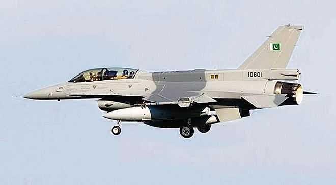 Trong sự kiện trên, phía Pakistan tuyên bố tiêm kích JF-17 của họ đã bắn rơi 2 máy bay chiến đấu Ấn Độ gồm 1 chiếc MiG-21 Bison cùng 1 tiêm kích Mirage 2000.