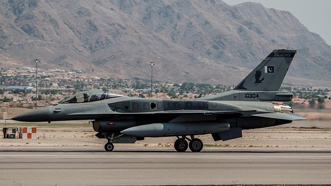 Lý do là bởi khi bán F-16 cho quốc gia Nam Á này, Washington đã quy định rõ Islamabad chỉ được sử dụng để bảo vệ không phận, trong trường hợp triển khai ngoài biên giới thì chỉ được phép tấn công phiến quân khủng bố.