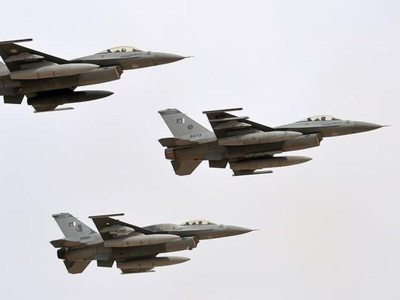 Do máy bay Ấn Độ đã xâm nhập không phận Pakistan nên việc nó bị bắn rơi bởi tiêm kích JF-17 hay F-16 đi nữa thì cũng chẳng có gì là quan trọng, bởi đây là hành động tự vệ chính đáng.