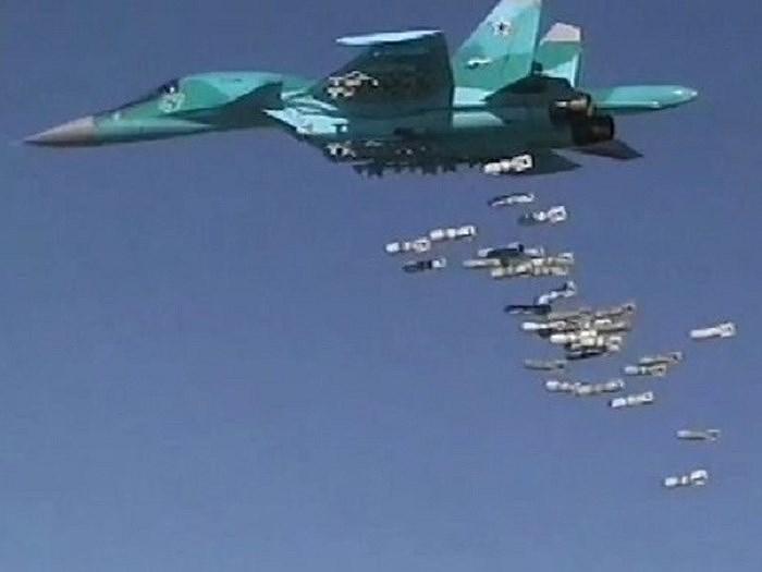 Cuộc tấn công mới nhất của Không quân Nga nhằm đáp trả vụ tập kích do các chiến binh thánh chiến tiến hành nhằm vào các thành trì của chính phủ là Mhardeh và Al-Suqaylabiyeh ở vùng nông thôn phía Bắc tỉnh Hama.