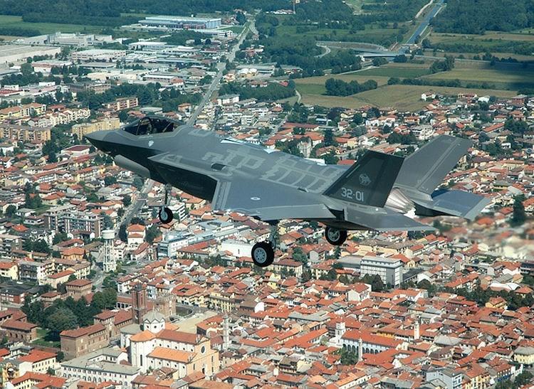 Dù bị chỉ trích là giá thành quá cao, F-35 hiện nay vẫn được nhiều quốc gia trên thế giớiđặt mua và sử dụng.
