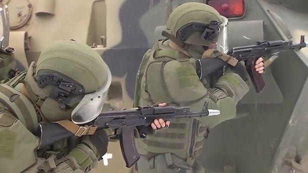 Điều này gây ngạc nhiên vì theo quan niệm cũ, kế thừa truyền thống Liên Xô, các đơn vị đổ bộ đường không, lính thủy đánh bộ, đặc biệt là đặc nhiệm tổng cục tình báo mới được xem là những nắm đấm thép của lực lượng vũ trang Nga.