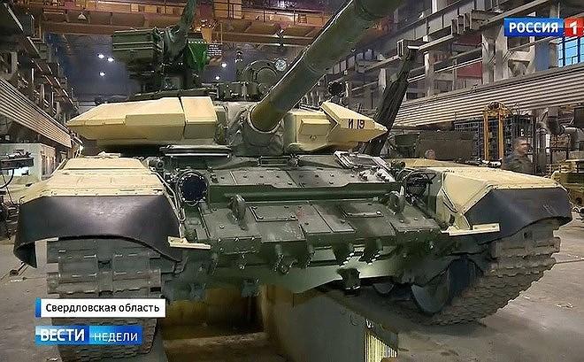 Ngoài ngành chế tạo hàng không, các ngành công nghiệp quốc phòng (và công nghiệp dân sự) khác của Nga như đóng tàu quân sự hay vũ khí bộ binh cũng bị ảnh hưởng nặng nề.