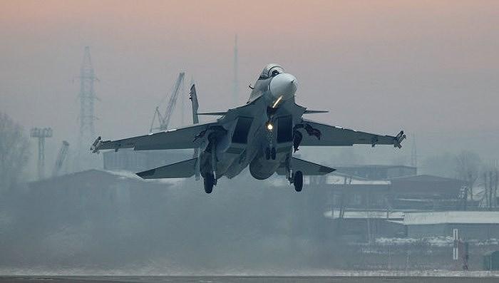 Tuy nhiên khó khăn thực sự đối với ngành công nghiệp quốc phòng Nga chỉ bắt đầu khi Mỹ áp dụng Đạo luật CAATSA, cho phép trừng phạt cả khách hàng mua vũ khí do Nga sản xuất.