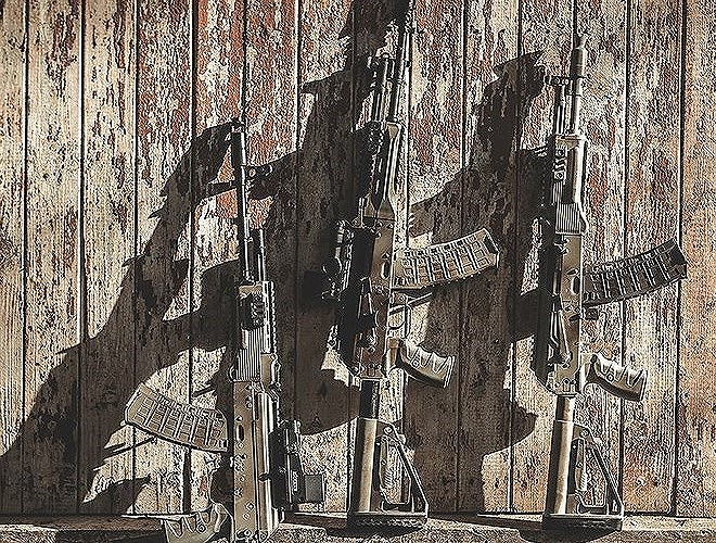 AK-12 khắc phục những thiếu sót về hỏa lực và chi phí sản xuất, cải tiến một số tính năng còn thiếu của các đời súng trước đó.