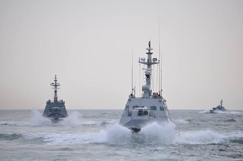 Tưởng như cuộc khủng hoảng Nga - Ukraine liên quan tới vụ đụng độ giữa các tàu tuần tra hai bên tại chân cầu vượt eo biển Kerch đã tạm lắng dịu thì bất ngờ lại xuất hiện diễn biến mới.