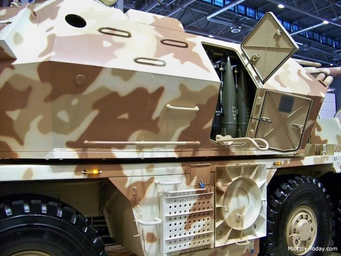 DANA-M1 CZ có thể mang theo tới 36 quả đạn cùng với 24 quả đạn có sẵn trong các hộp của tháp pháo.