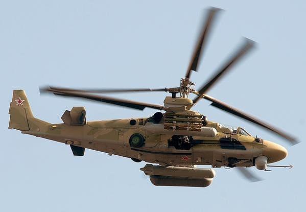 Quân đội Ai Cập là lực lượng mua lại 2 tàu đổ bộ trực thăng Mistral mà Pháp đóng cho Nga nhưng không bàn giao vì vướng phải các lệnh trừng phạt của phương Tây.