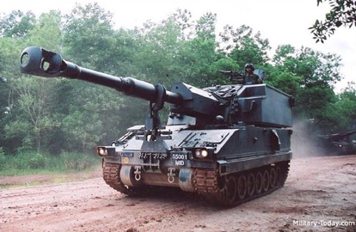 Primus có hệ thống điều khiển hỏa lực hiện đại trợ giúp bắn chính xác cao, kết hợp hệ thống nạp đạn bán tự động nhằm tăng tốc độ bắn và giảm tiêu tốn sức lực cho kíp điều khiển. Ảnh: Military-Today.