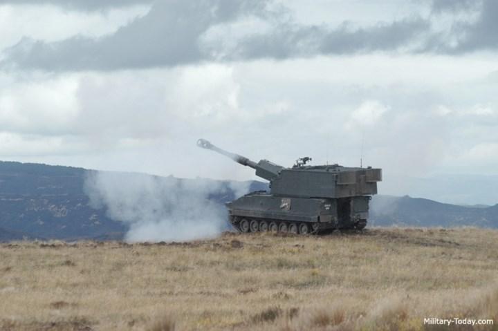 Kể từ năm 2002, khẩu pháo tự hành này đã được gia nhập biên chế chính thức của lực lượng Lục quân Singapore. Ảnh: Military-Today.