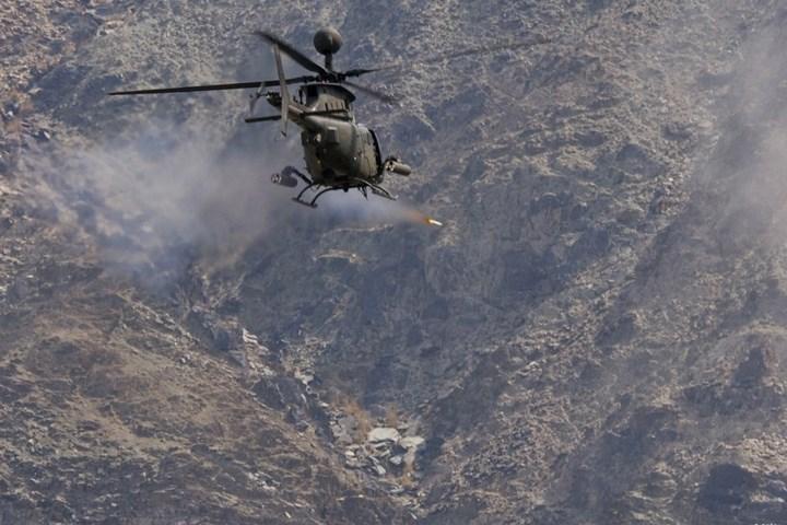 Trực thăng OH-58D có tốc độ bay tối đa là 240 km/h, trần bay là 4.58km, và tầm bay là 555km.