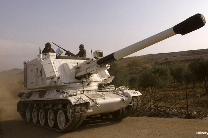 AU-F1 GCT có một bộ phận nạp đạn tự động giúp nó có tốc độ bắn tối đa lên tới 8 phát trong 1 phút.