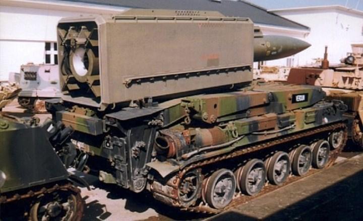 Hệ thống tên lửa Pluton có thể được sử dụng để tấn công các trận địa pháo, tăng thiết giáp, sân bay, quân cảng... Ảnh: harveyblackauthor.