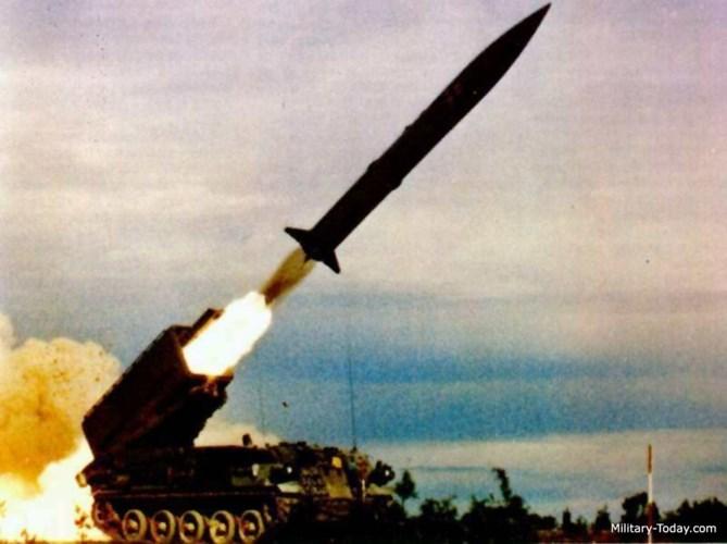 Vận tốc tối đa của hệ thống tên lửa đạn đạo chiến thuật tầm ngắn Pluton đạt 60km/h; tầm hoạt động 600km. Ảnh: Military-Today.