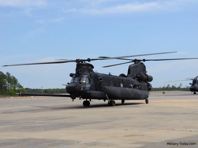 MH-47 được sử dụng trong các nhiệm vụ như vận chuyển binh sĩ, đạn dược, phương tiện, trang thiết bị, nhiên liệu và vật tư cũng như cứu trợ nhân đạo. Ảnh: Military-Today.